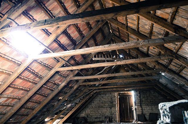 isolation de la maison depuis la toiture à la cave