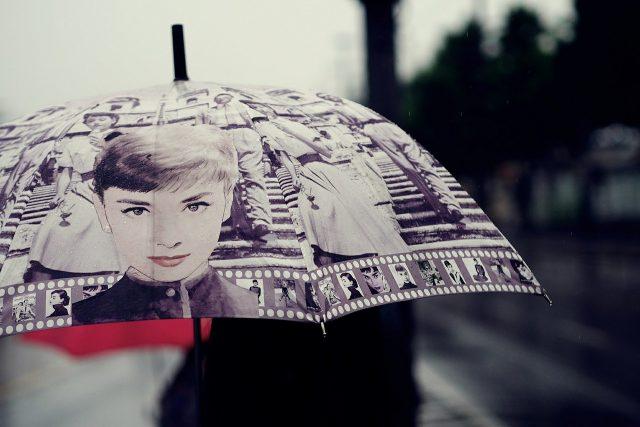 Objet personnalisé pratique avec ce parapluie